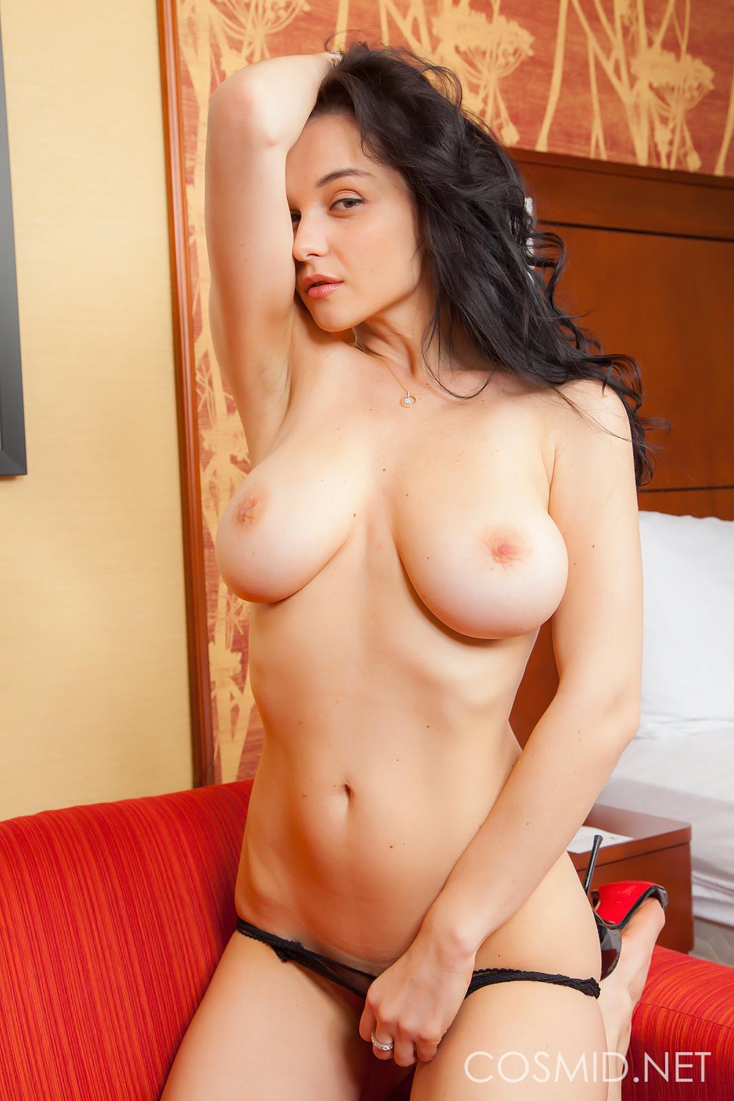 img57.imagetwist.com !!!